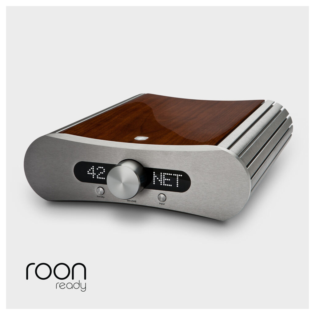 De Gato Audio DIA-250S is een versterker, dac en netwerkspeler in één.